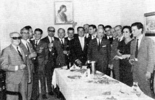 12 octubre 1966. Reunión para celebrar el día de la Virgen del Pilar en URE Sevilla.